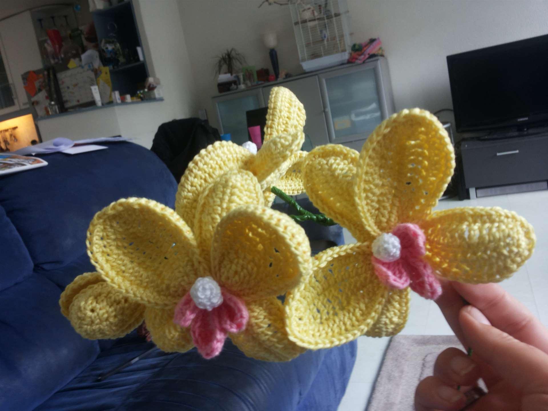 gehaakte orchidee geel