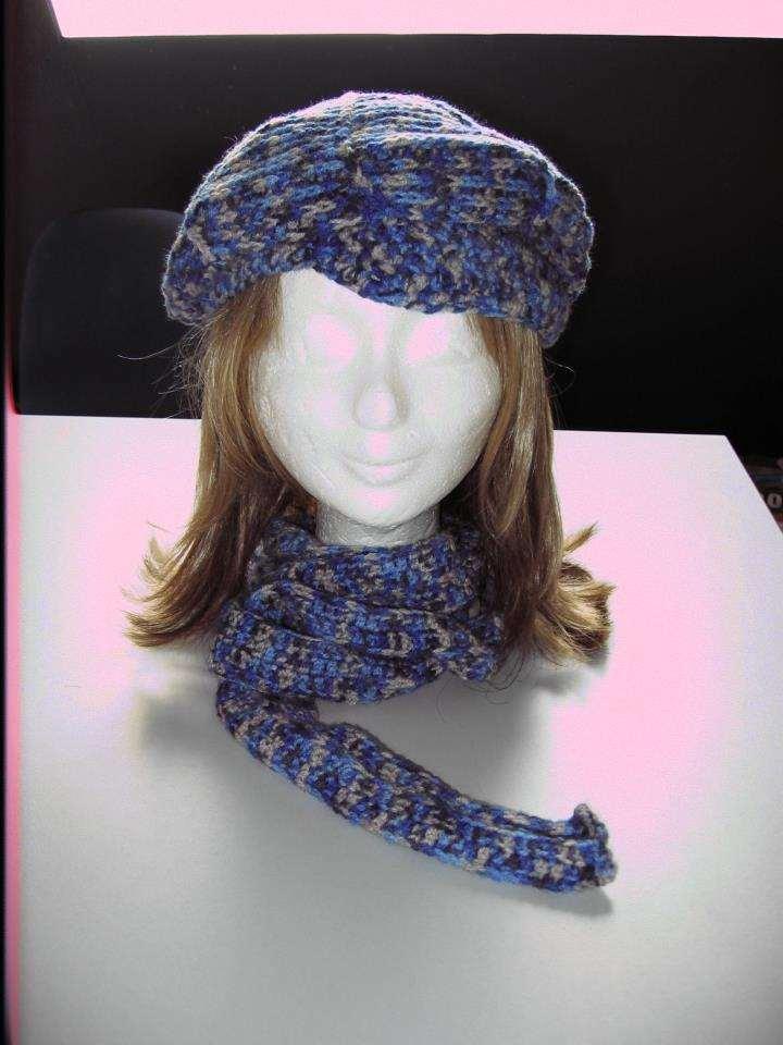 Gehaakte baret met sjaal